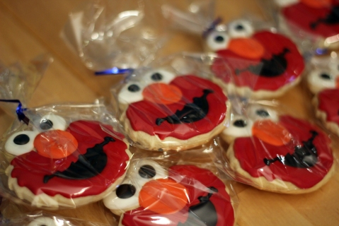 Royal icing Elmo cookies